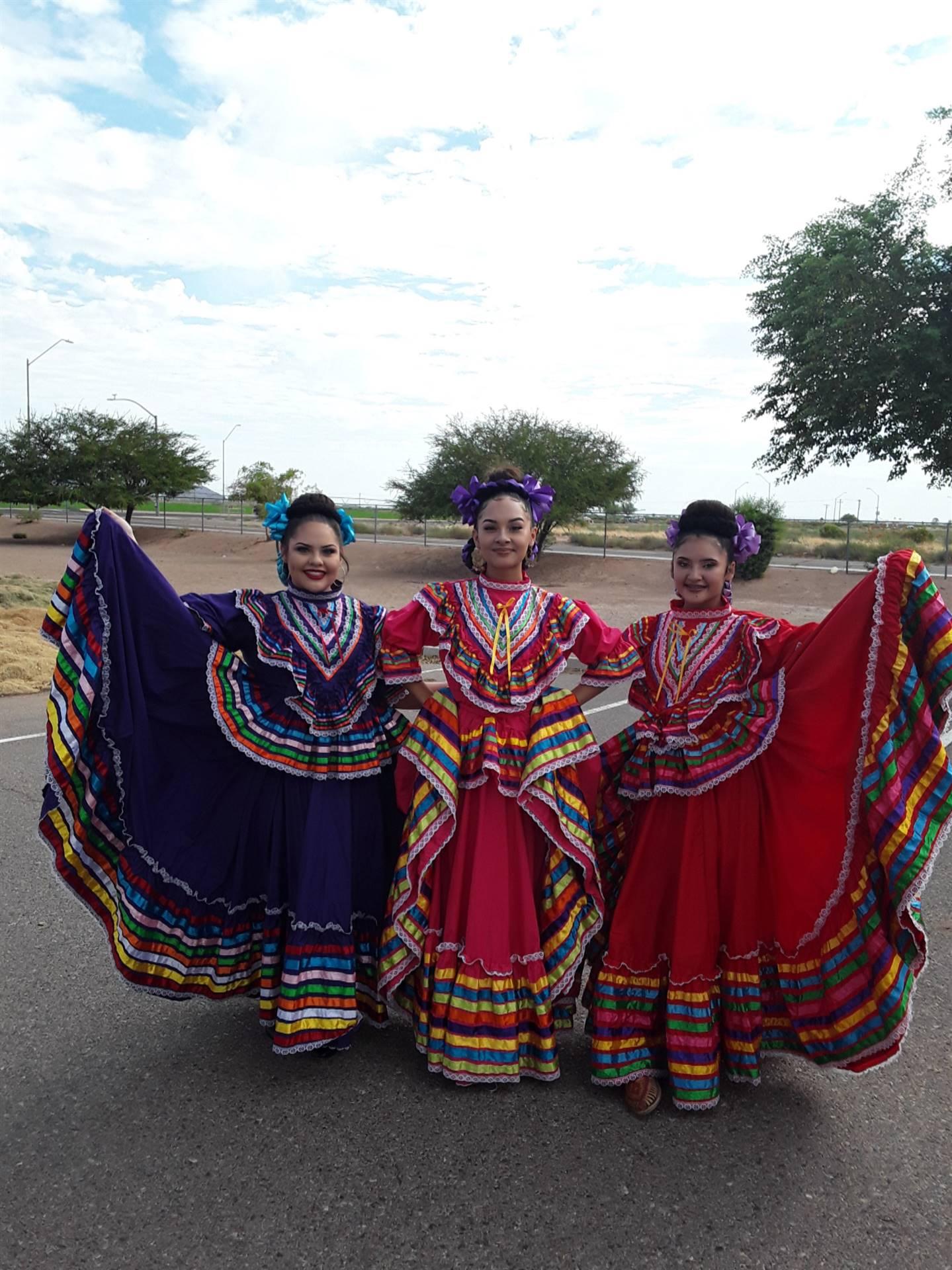 AP Spanish Club Dancers 20191115