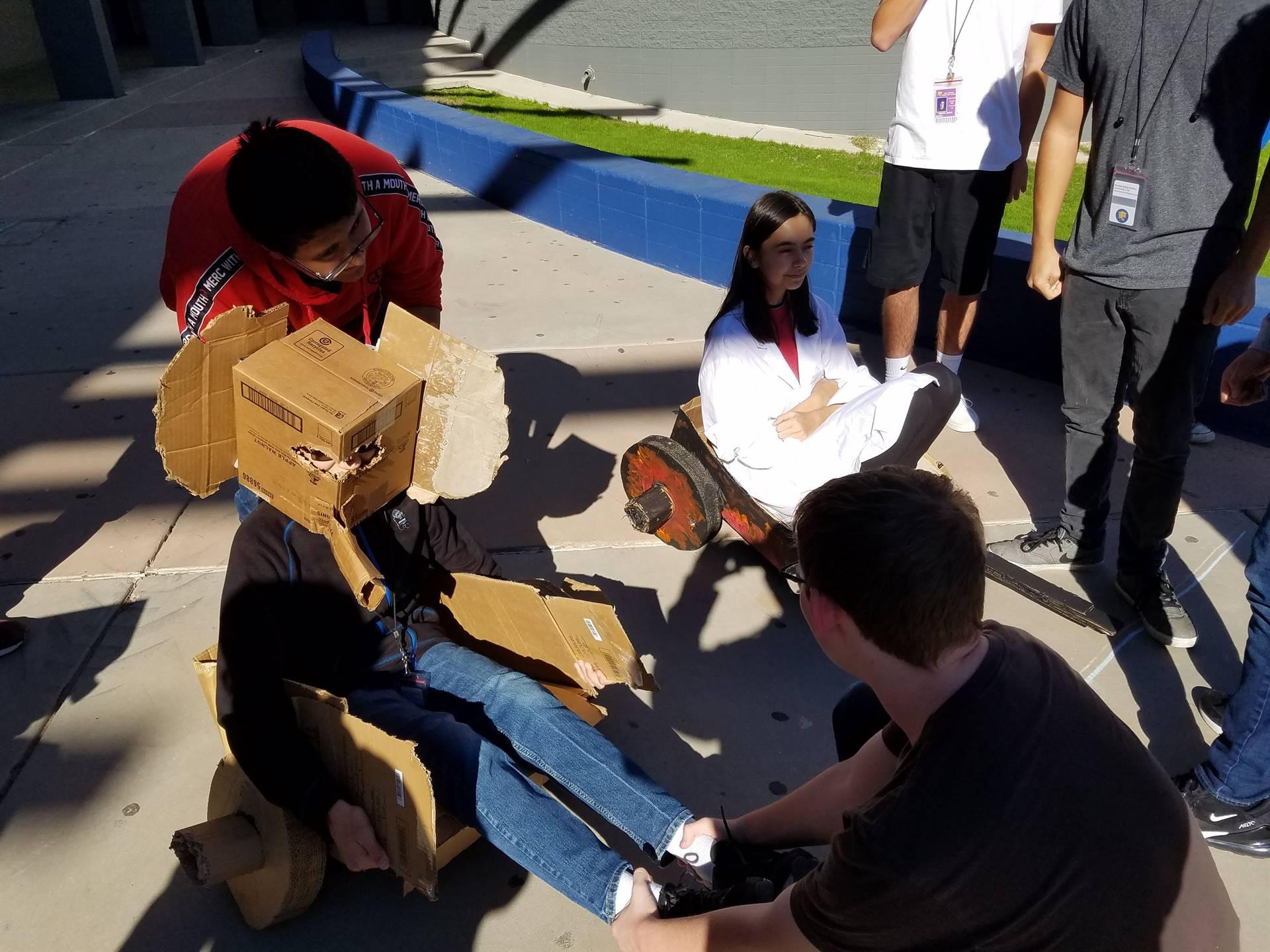 Engineering I Great Cardboard Chariot Race Team Elephante 20191211 (1)