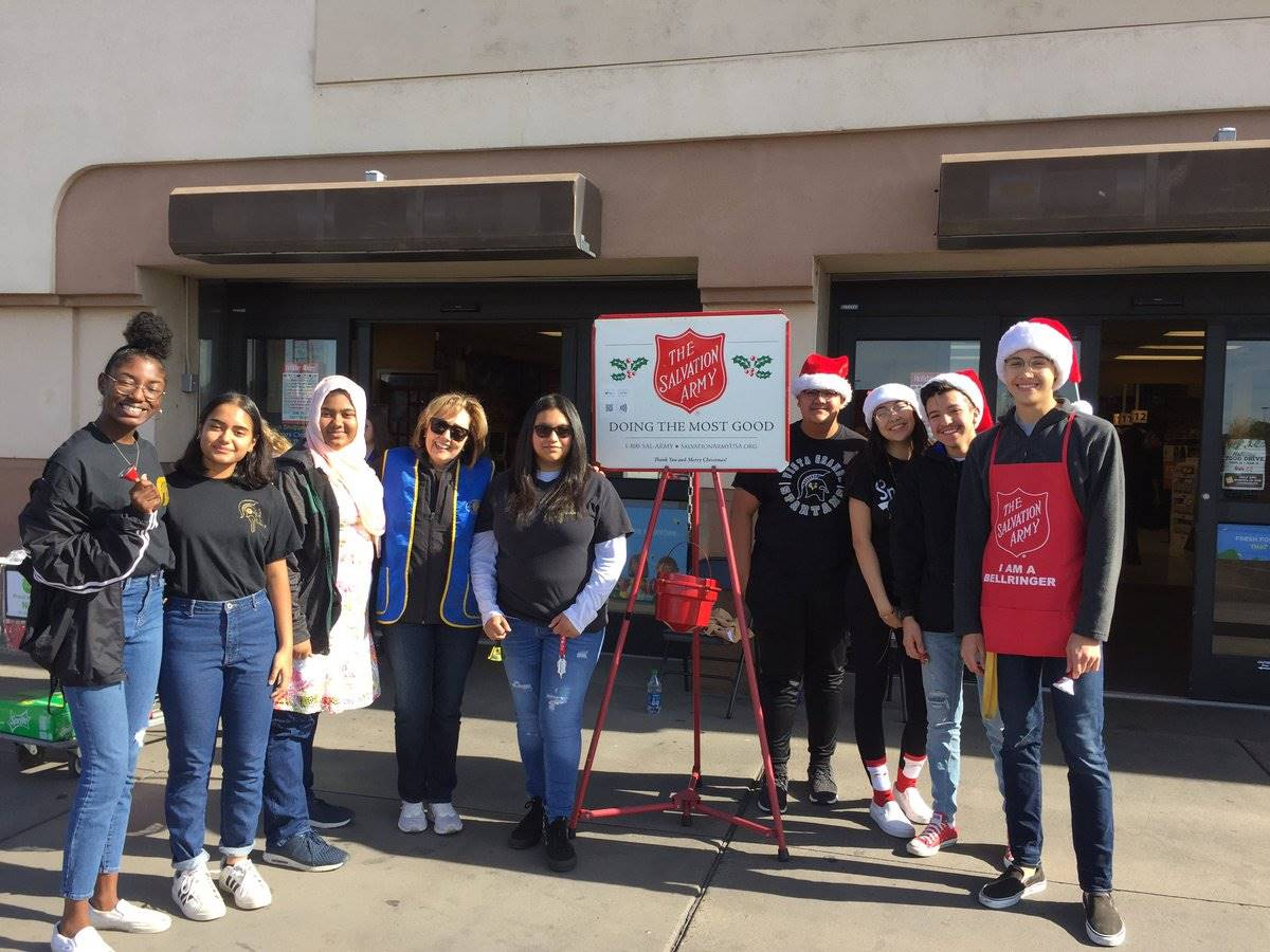 Key Club Salvation Army Bell Ringing 201912 (1)