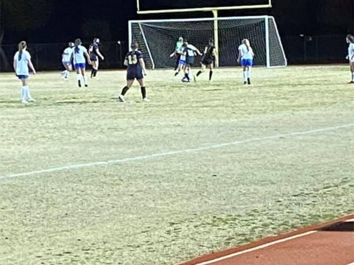 VG-SoccerGirls20210121 (5)Crop