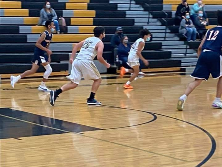 VG-BasketballBoysJV20210122 (3)Crop
