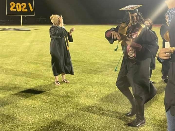 VG-Graduation20210521 (18)Crop